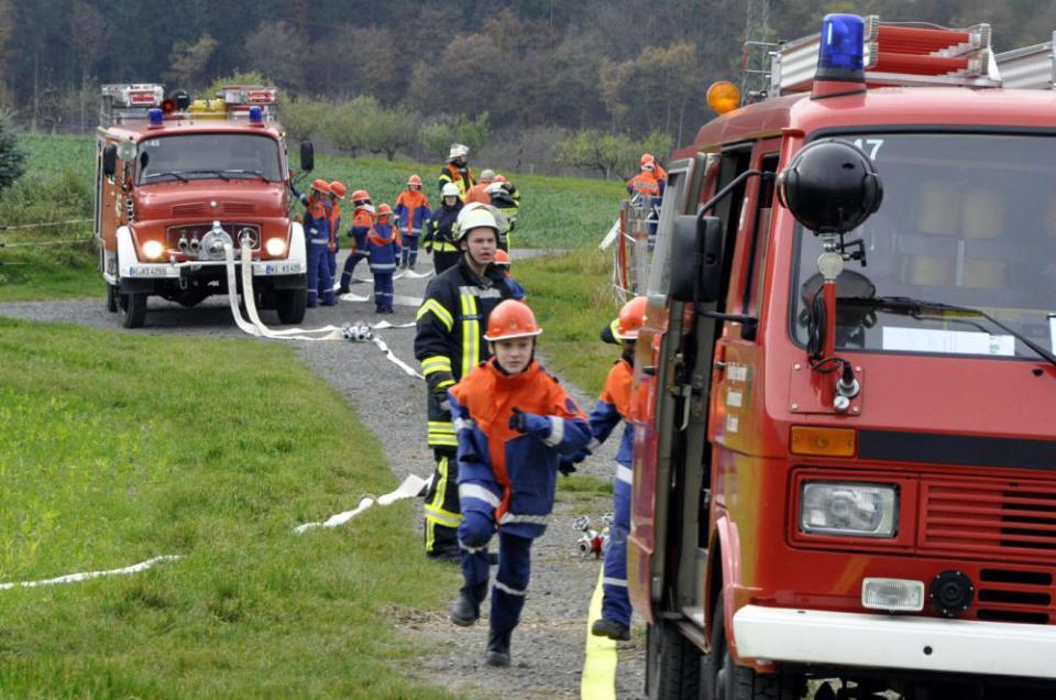 Großübung: Feuerwehrjugend zeigt, was sie in einem Jahr gelernt hat | Taunus Zeitung