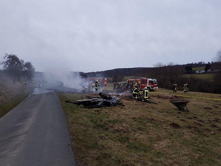 +++ Einsatz Feuerwehr Hundstadt +++…