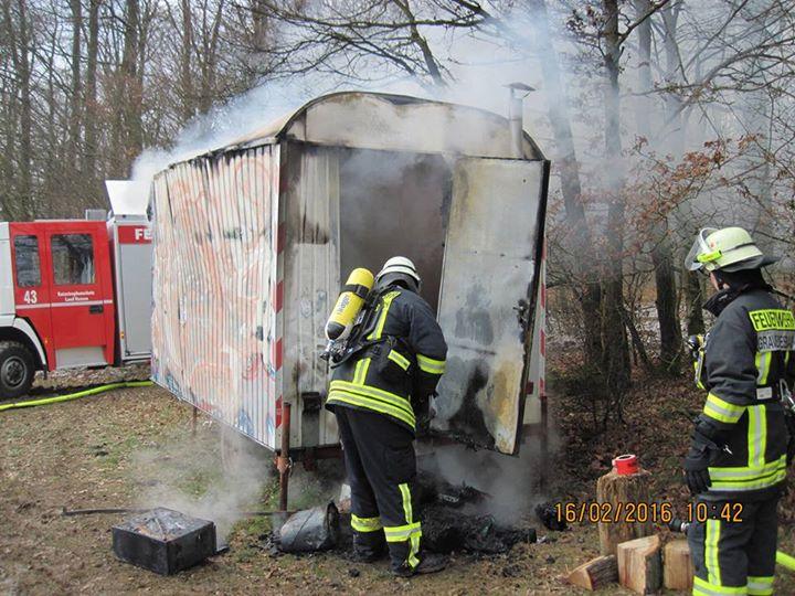 Einsatz 05-2016 brennender Bauwagen im Wald…