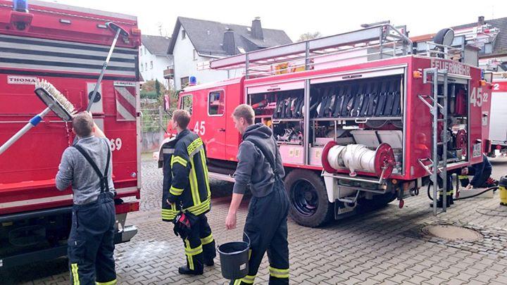 Frühjahrsputz bei der Feuerwehr Grävenwiesbach.