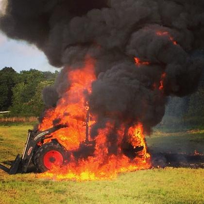 Feuerwehr Grävenwiesbach – 51-2017-brennt Traktor
