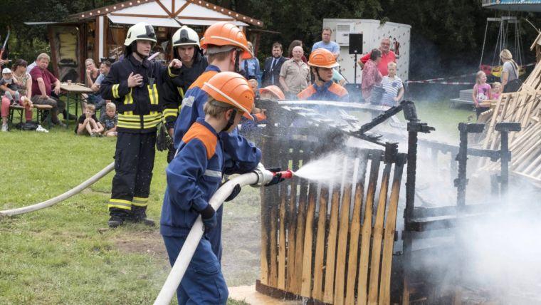 Rettet die Freiwillige Feuerwehr! Warum sich ein Ehrenamt lohnt.
