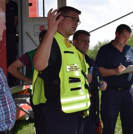 Grävenwiesbach: Waldbrand-Szenario bei Katastrophenschutzübung der Feuerwehr