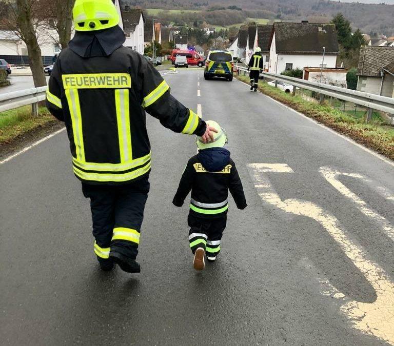 In Papas Fußstapfen treten – auch in Feuerwehrst…